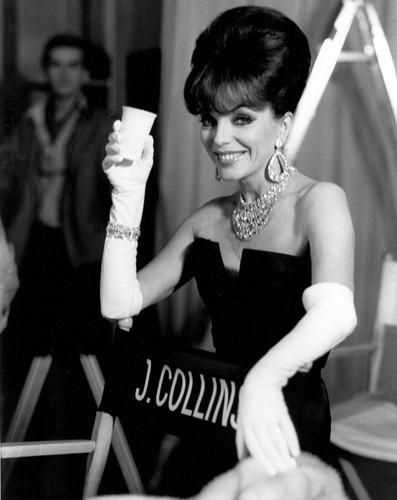 Текила и зубная паста: Джоан Коллинс дает советы желающим похудеть