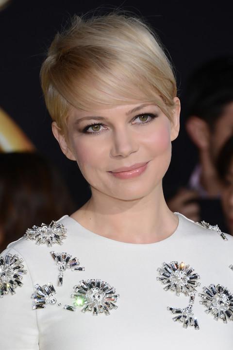 7 лучших причесок на короткие волосы для встречи Нового года 2015
