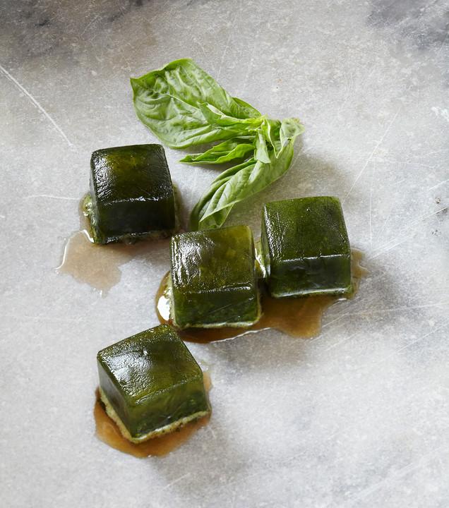 10 самых интересных и действенных рецептов кубиков льда