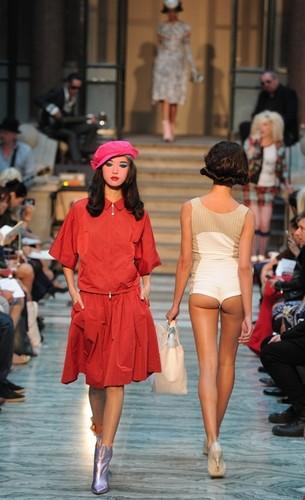 Неделя моды в Лондоне: эксцентричные коллекции