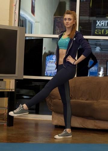 Фитнес-инструкция: не отходя от телевизора